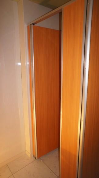 トイレは、和式便所から洋式、ウォシュレット付きに変更