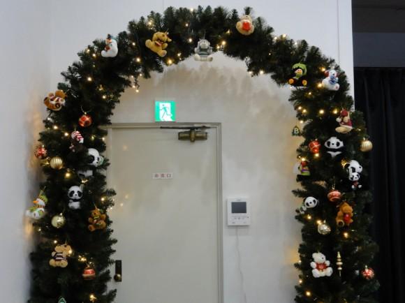 キバンのクリスマスアーチの全体像