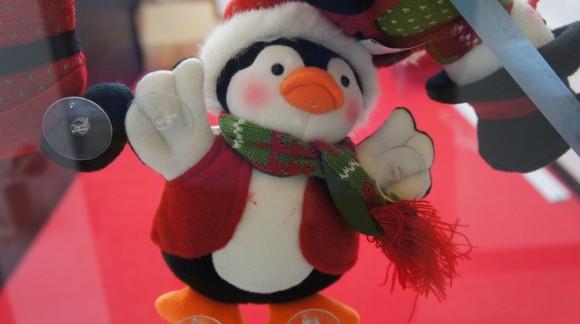 ペンギンくんも、すっかりクリスマスモード。しっかりひっついています。