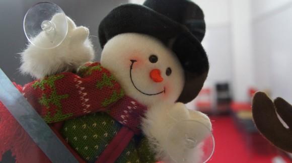 雪だるまさん。なんだか照れ笑いしているみたい。
