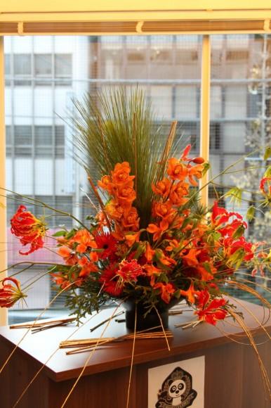 パンダスタジオのエントランスの装花(2011年1月4日)写真2