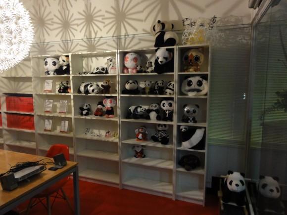 世界のパンダたち。結構顔が違います。コレクションの一部。