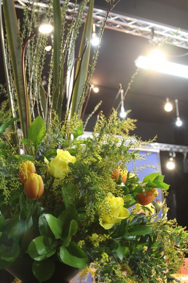 The Flower Storiesの小山大蔵さんのフラワーデザイン 2011月02年07日 in パンダスタジオ(写真2)