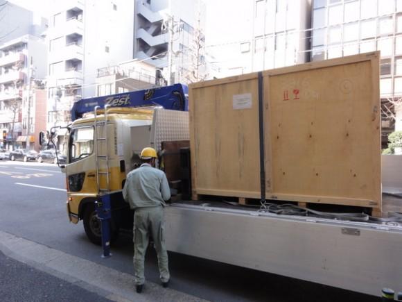 4メートル×4メートル×2.2メートルの巨大な荷物