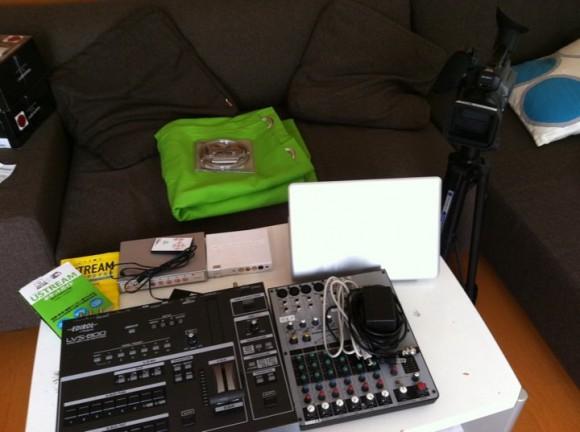 ビデオスイッチャー、ミキサーと映像・音は本格的な機材を用意