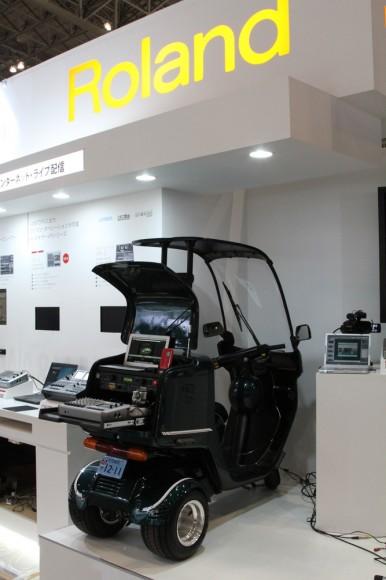 HONDAのジャイロキャノピーを改造してミニカー登録(車)として登録してあります。49ccの自動車です。