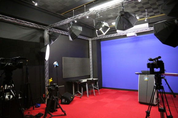黒スタジオ2