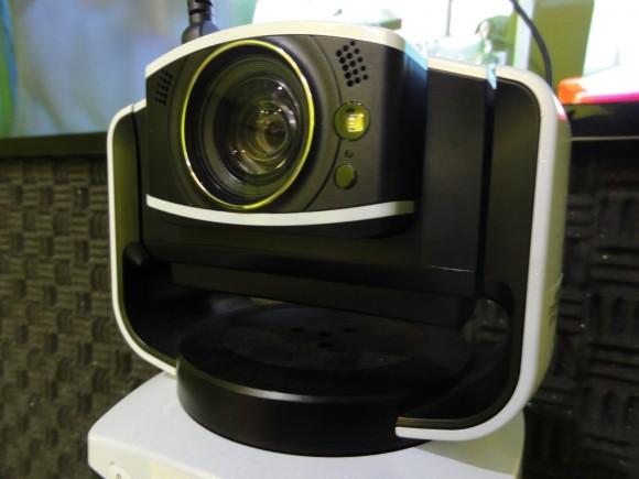レッサー1・カメラ
